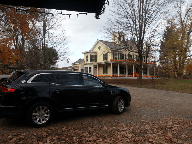 limo at Big Rock Farm stand
